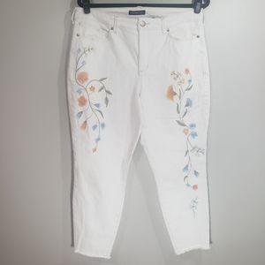 3/$30 Lisbeth cropped floral jeans Sz 14